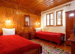 Стая с две отделни легла